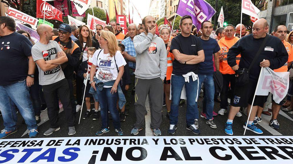Foto: Miles de personas exigen la continuidad de Vestas en León. (EFE)