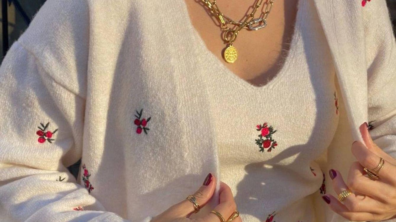 Blanca, bordada con flores y de punto: así es la chaqueta de Primark que arrasa en Instagram