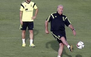Del Bosque anunció la titularidad de Iker Casillas y Paco Alcácer