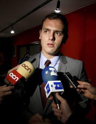 Foto: Los intelectuales de Ciutadans 'perdonan' a Rivera y vuelven al partido