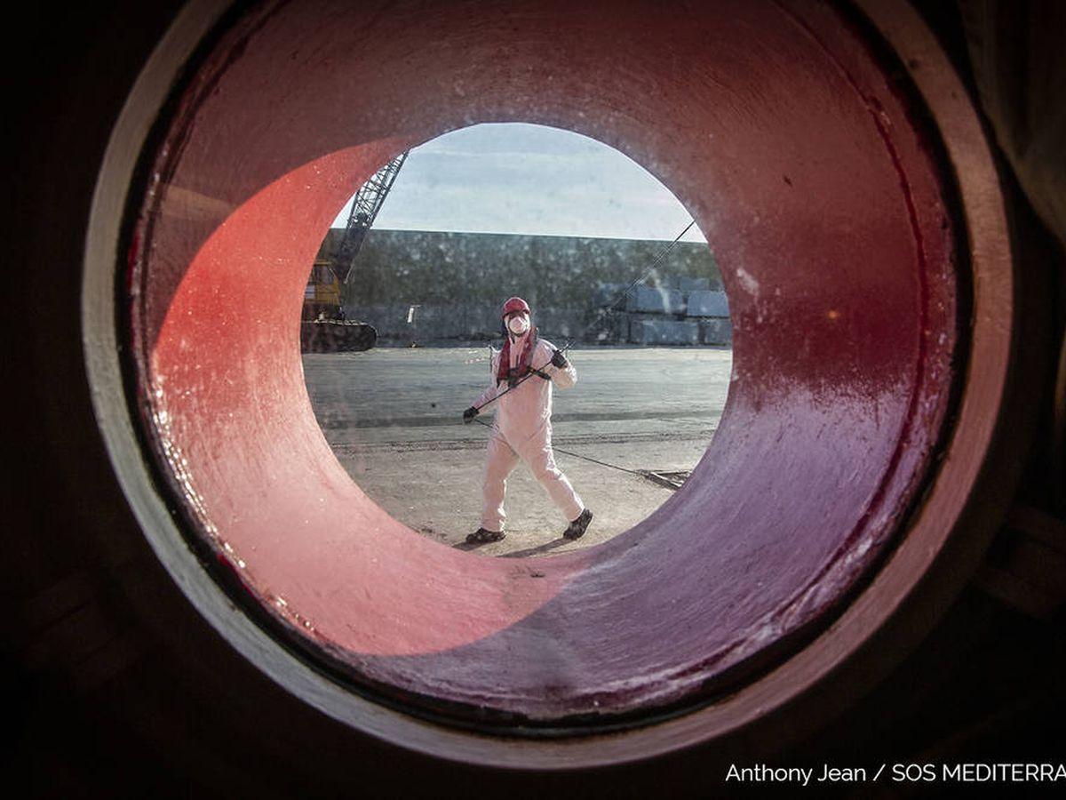 Foto: El 'Ocean Viking', en cuarentena obligatoria por el coronavirus (Anthony Jean/SOS Méditerranée)
