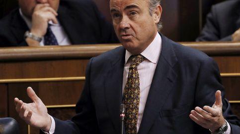 Guindos amplía a 2020 el plazo para que el Estado salga de Bankia y BMN
