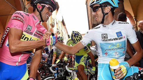Contador lucha contra su pasado, el Astana, que no defendió a Aru, su líder
