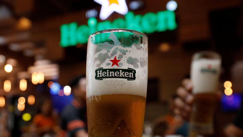 Foto: Un vaso de cerveza Heineken. (Reuters)