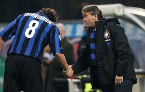 El Inter llama a Mancini por la añoranza de una gloria perdida