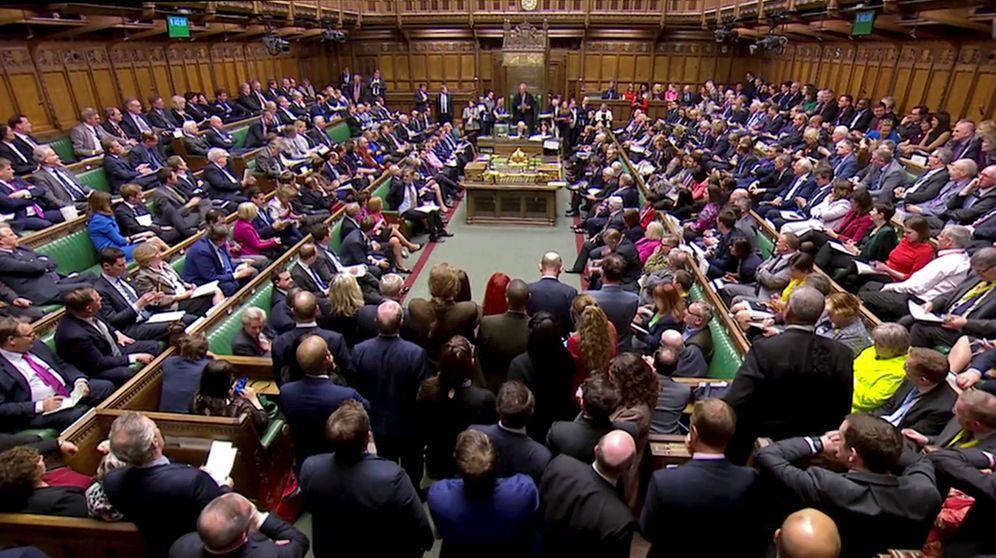 Foto: John Bercow anuncia los reultados de las votaciones a las enmiendas del Brexit, en el Parlamento británico. (Reuters)