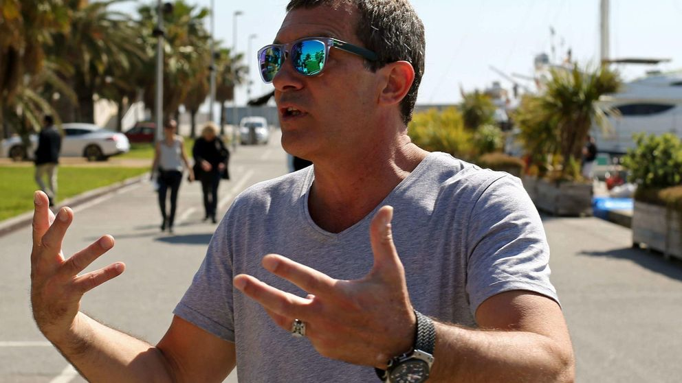 Antonio Banderas llega a Málaga bailando el Mediterranean Rock&Roll