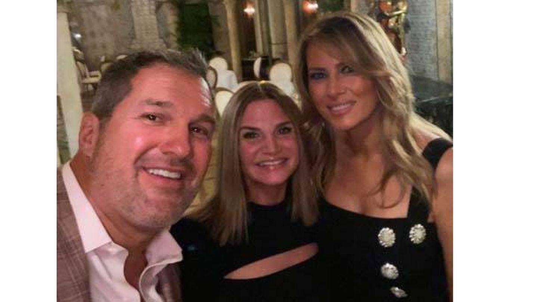 Melania Trump, junto a Keith y Danielle Otto. (Instagram)
