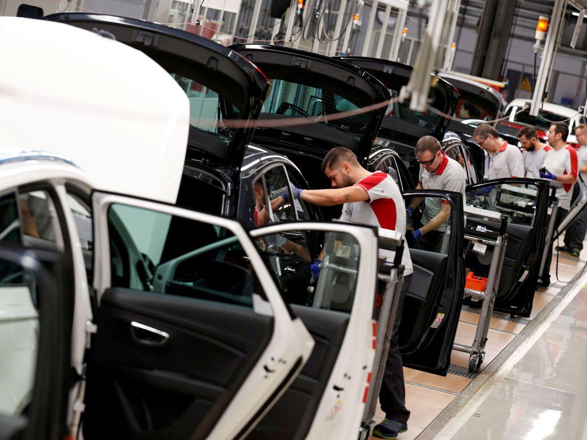 Foto: Trabajadores de la fábrica de Seat en Martorell, Barcelona. (Reuters)