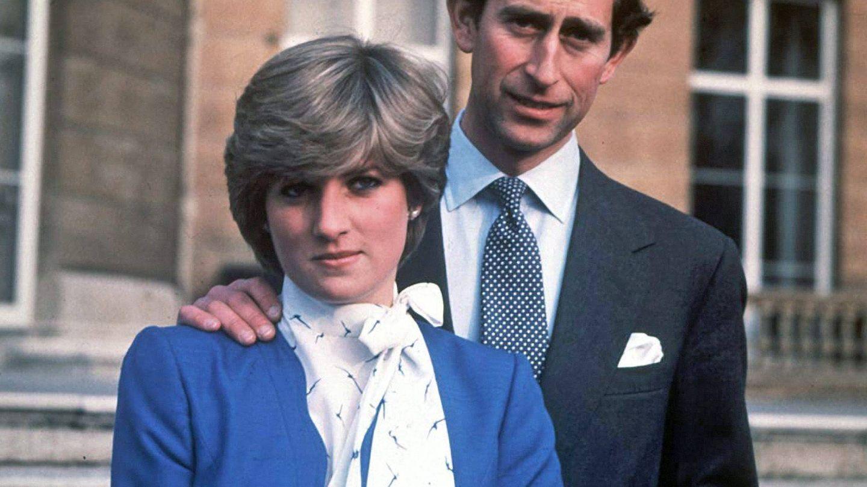 Diana de Gales y el príncipe Carlos de Inglaterra, en una imagen de archivo. (EFE)