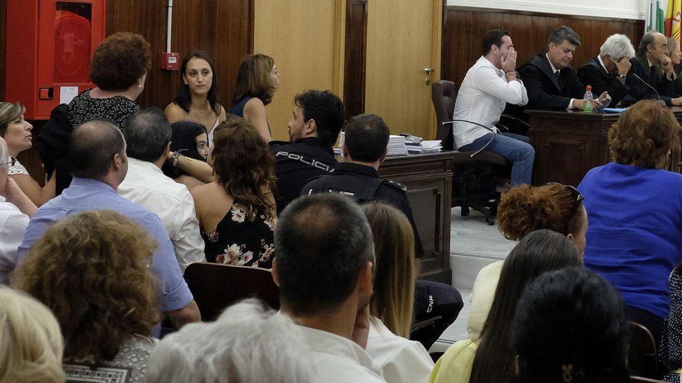 Foto: Momento en el que un jurado popular declaró no culpable al acusado por el crimen de Almonte | EFE Julián Pérez