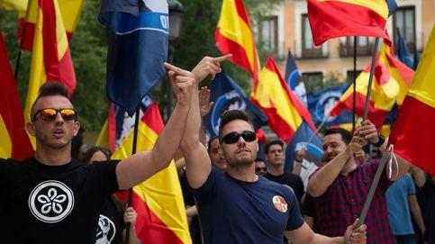 El neofascismo que reparte comida por toda España se alía para convertirse en un partido