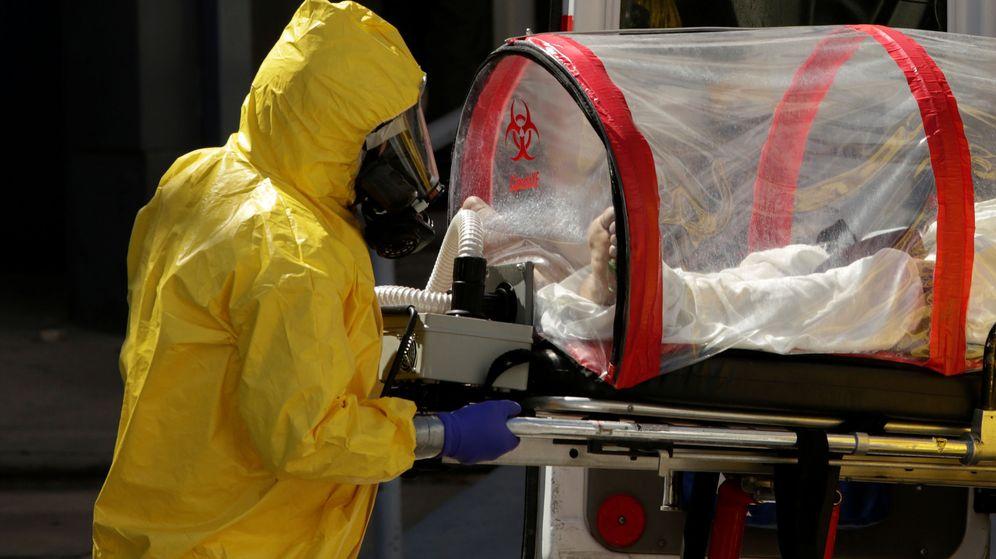 Foto: Un enfermo con coronavirus es trasladado a un hospital en México. (Reuters)