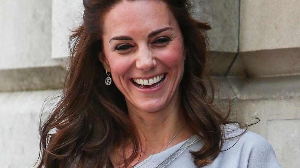Kate Middleton, más delgada y 'despeinada' que nunca en un acto oficial
