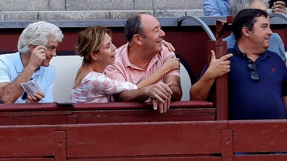 Foto: La pareja, durante la corrida de este domingo. (EFE)
