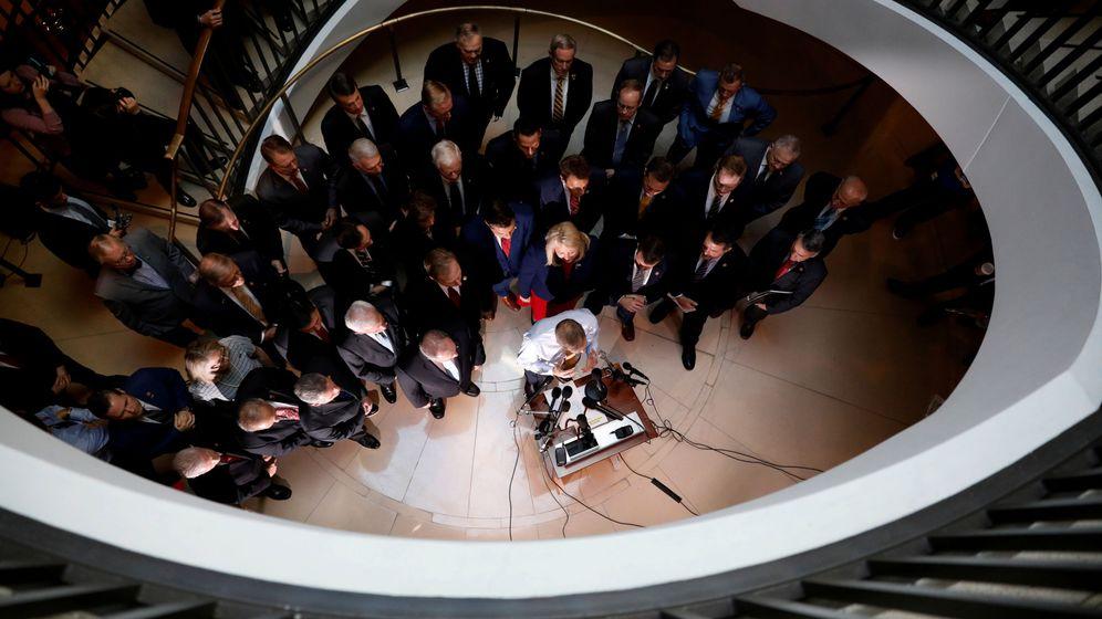 Foto: Los congresistas republicanos tras la llegada de la asistente de Defensa, Laura Cooper. (Reuters)