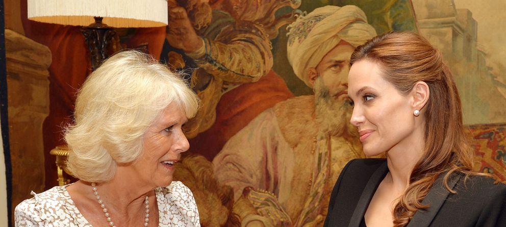 Foto: Angelina Jolie junto a la duquesa de Cornualles