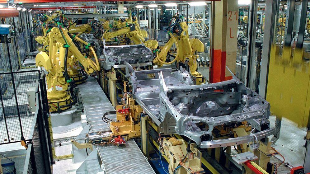 Foto: De las plantas españolas saldrán este año cerca de 2,9 millones de vehículos, por debajo de los tres millones previstos por ANFAC.