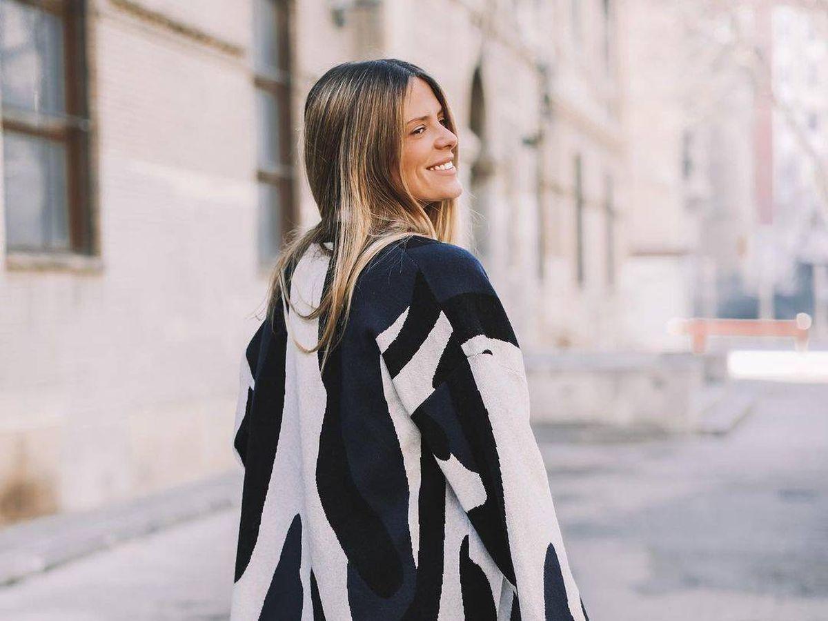 Foto: Natalia Coll se rinde ante los encantos de esta chaqueta de Parfois. (Instagram, @natinatcoll)