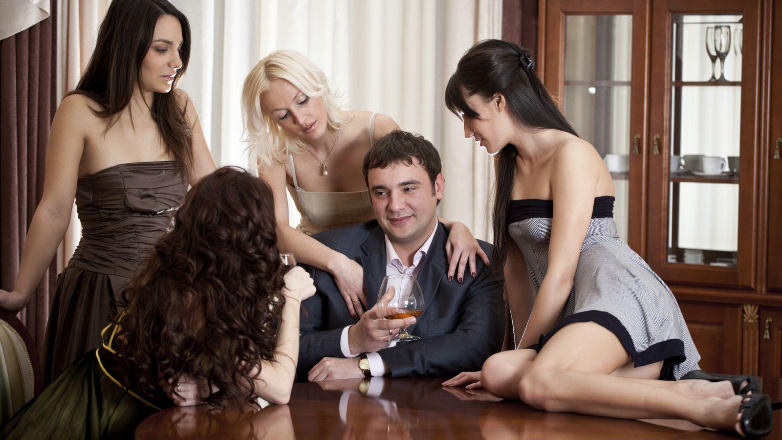 erotika-chetvero-v-odnoy-probkoy