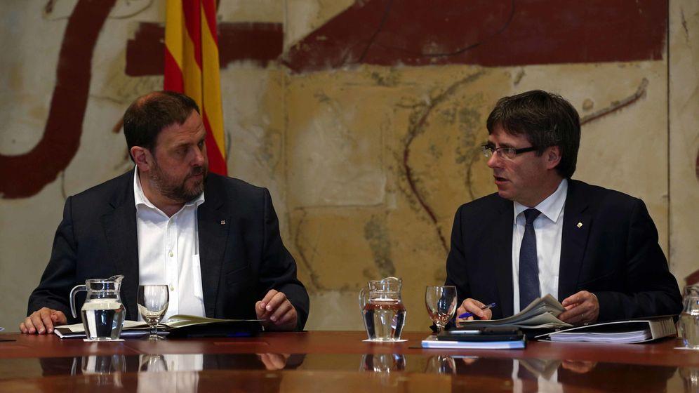 Foto: Junqueras y Puigdemont se encuentran con la realidad y toda la dureza del 155. (EFE)