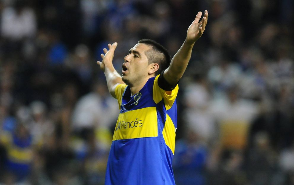 Foto: Riquelme, durante un partido con Boca Juniors (EFE)