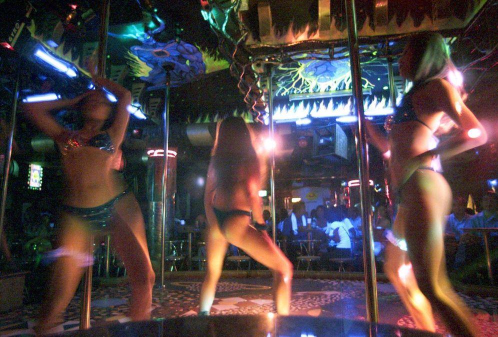 Foto: Bailarinas tailandesas en un club nocturno junto al mar en Patttaya, Tailandia. (Reuters)