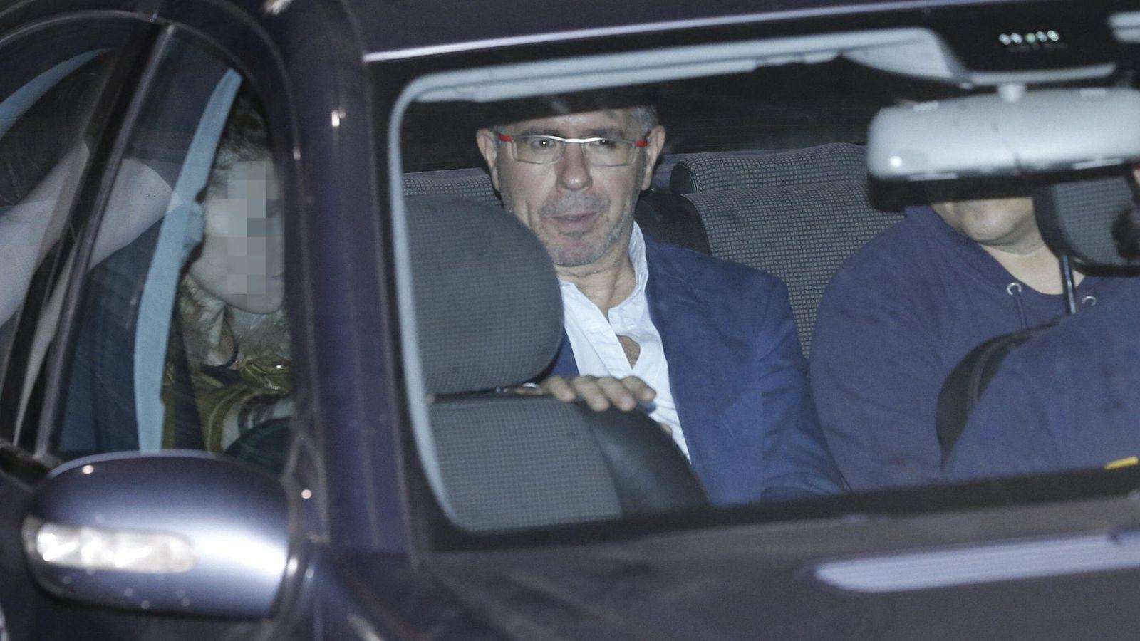 Foto: Fotografía de archivo del exsecretario general del PP de Madrid Francisco Granados a su salida del Juzgado de Majadahonda. (EFE)