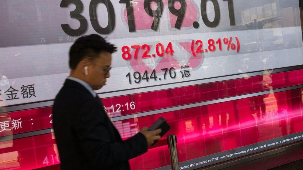 Foto: Un trader en Hong Kong. (Efe)