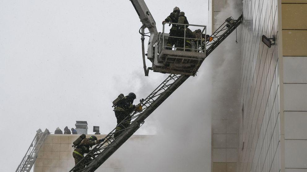 Las fotos del incendio en un centro comercial de Siberia que ha dejado más de 60 muertos