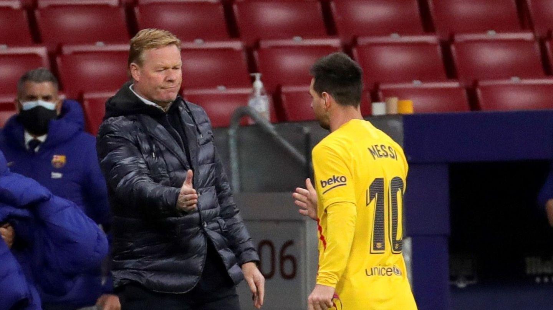 Messi y Koeman se saludan tras un partido. (EFE)