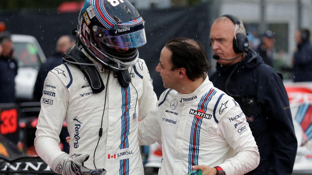 Foto: Lance Stroll es felicitado por Felipe Massa en la sesión clasificatoria del GP de Italia. (Reuters)