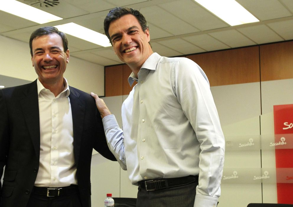 Foto: Tomás Gómez (i) y Pedro Sánchez. (Efe)