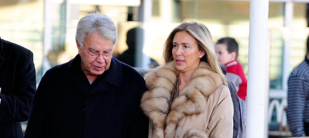 Foto: El ex presidente Felipe Gonzalez y Maria del Mar Garcia Vaquero (I.C.)