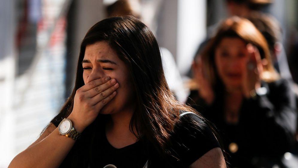 Foto: Una mujer tose por la calle. Foto: EFE Alberto Valdes