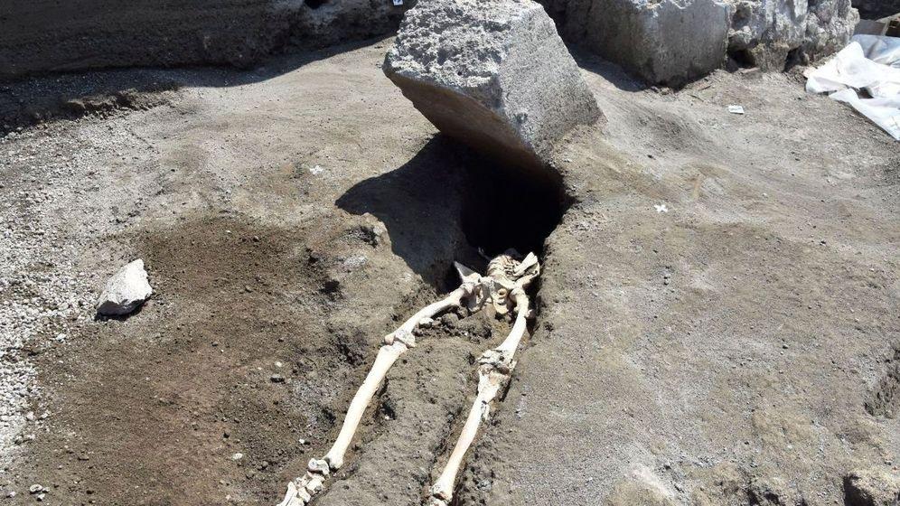 Foto: Última víctima hallada de la erupción del Vesubio. (EFE)