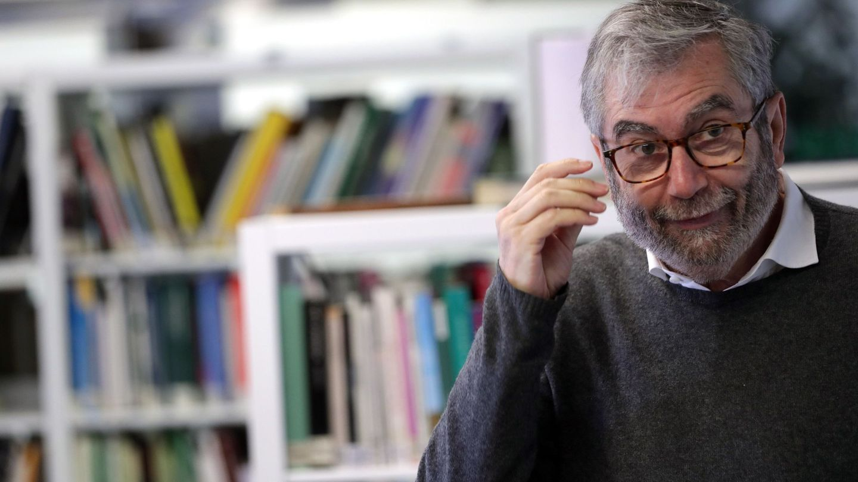 El escritor Antonio Muñoz Molina presenta hoy su nueva novela, 'Un andar solitario entre la gente'. (EFE)