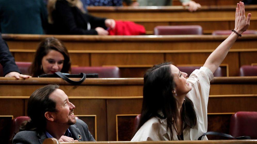 Foto:  El líder de Unidas Podemos, Pablo Iglesias (i), y la portavoz del grupo parlamentario, Irene Montero. (EFE)