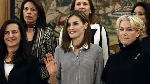 Doña Letizia preside dos audiencias con mucho estilo