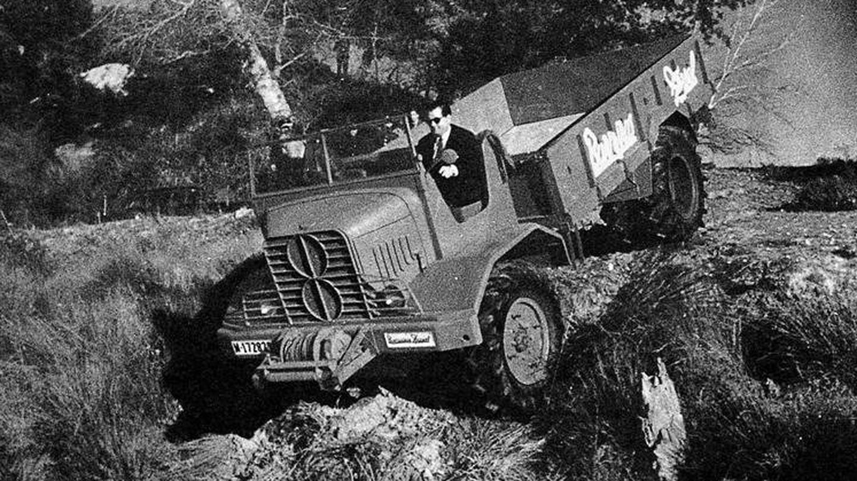 Prototipo de camión militar TT en una demostración ante Franco en El Pardo. (Fundación Eduardo Barreiros)