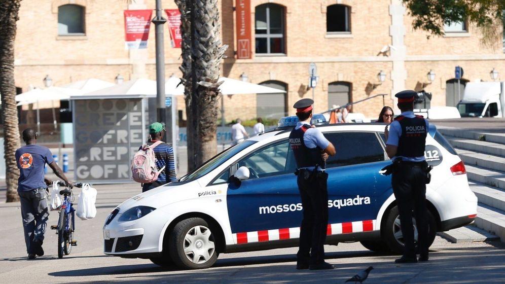 Foto: Los Mossos d'Esquadra y la Guardia Urbana de Barcelona velarán por la seguridad en la Diada. (EFE)