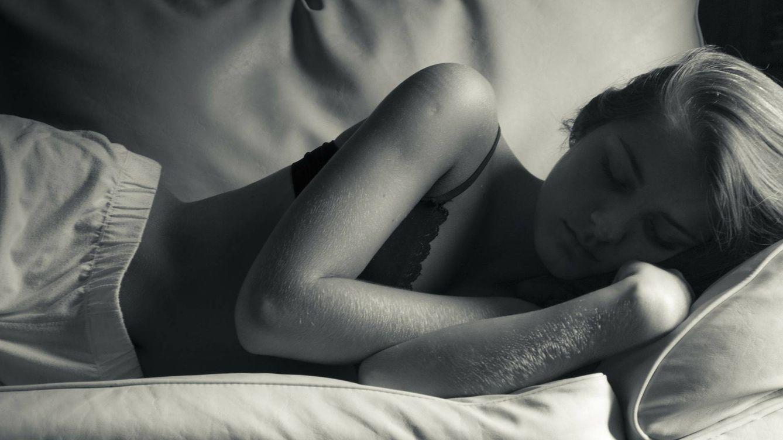 ¿Izquierda o derecha? Cómo afecta a tu salud hacia qué lado duermes