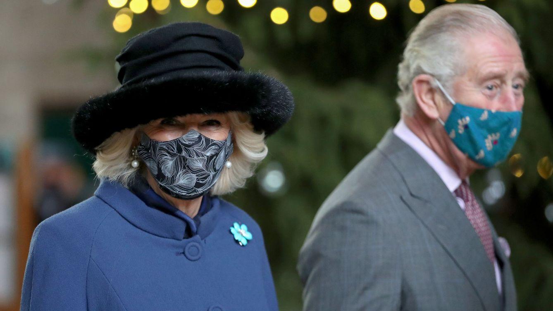 El príncipe Carlos y Camilla se unen a la lista de los royals vacunados contra el covid