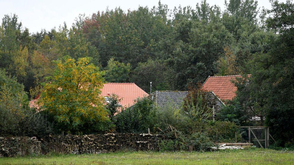 Foto: Imagen de la granja donde la familia pasó varios años encerrada en un sótano. (Reuters)