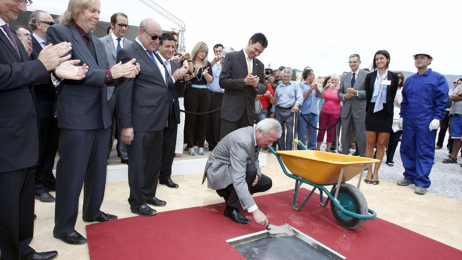 Foto: El día que Valcárcel puso la primera piedra de Paramount Park, el proyecto no tenía ni luz verde urbanística. (EFE)