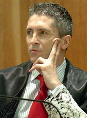 Los jueces Marlaska y Pedraz hacen un roto a la estrategia judicial del Gobierno