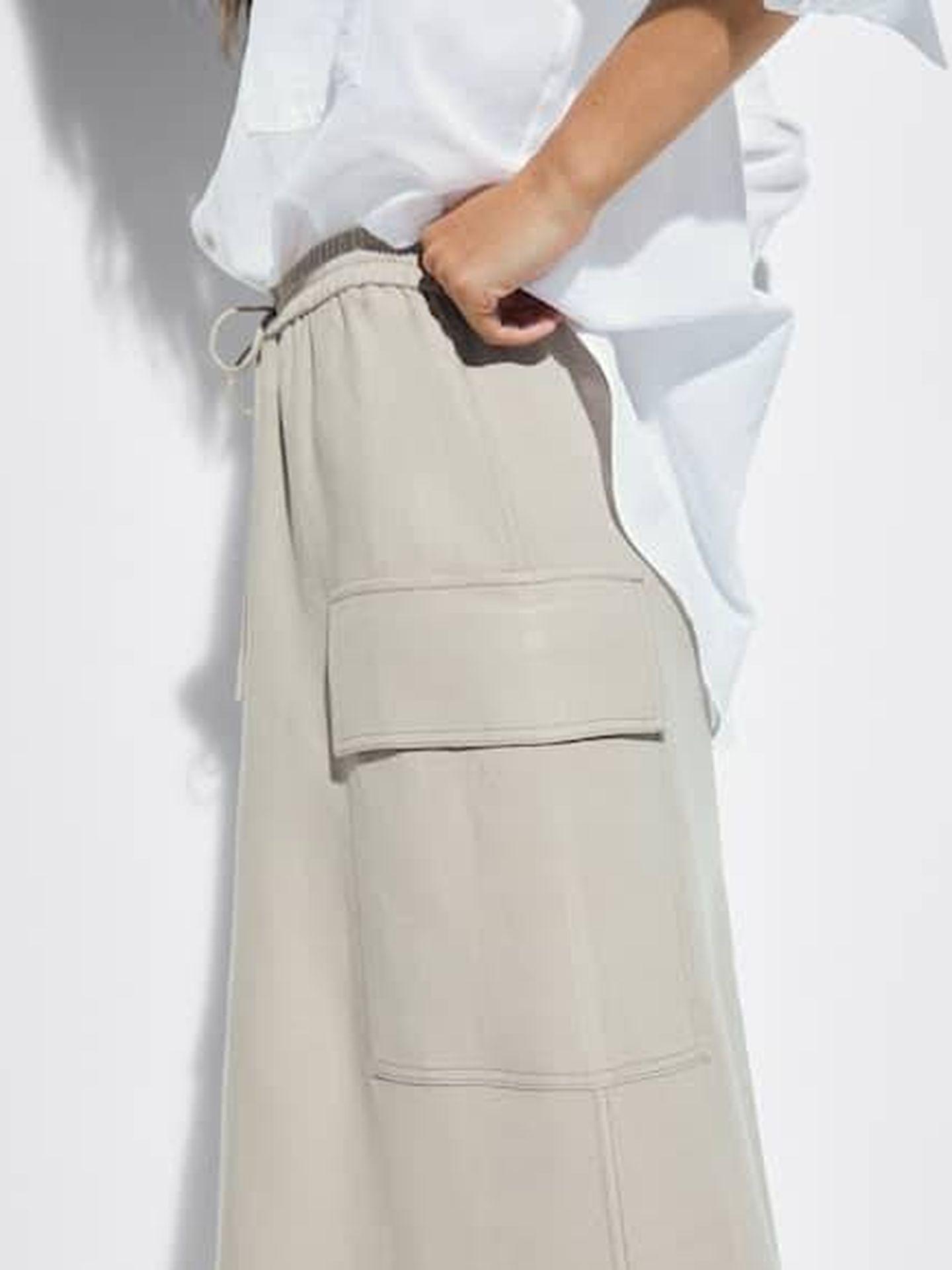 La falda de Massimo Dutti. (Cortesía)