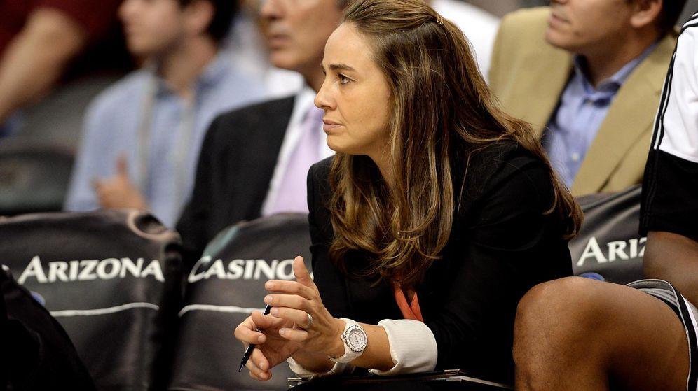Foto: Becky Hammon es entrenadora asistente en los San Antono Spurs desde 2014. (USA TODAY Sports)