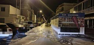 Post de Un fenómeno marítimo 'raro' inunda paseos en Santa Pola (Alicante) y deja barcos a la deriva