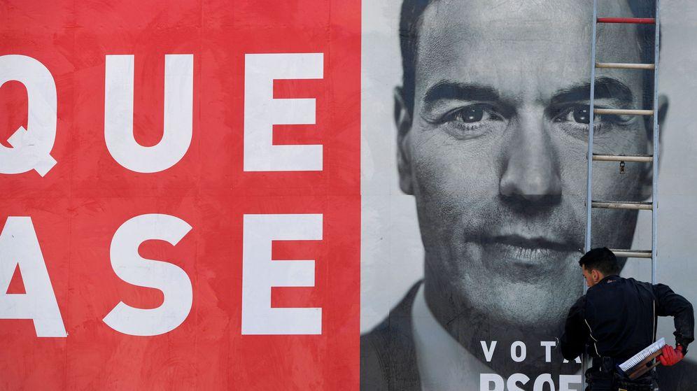 Foto: Cartel electoral del PSOE. (Reuters)